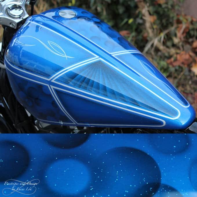 Pinstripe und Airbrush Blue Flakes